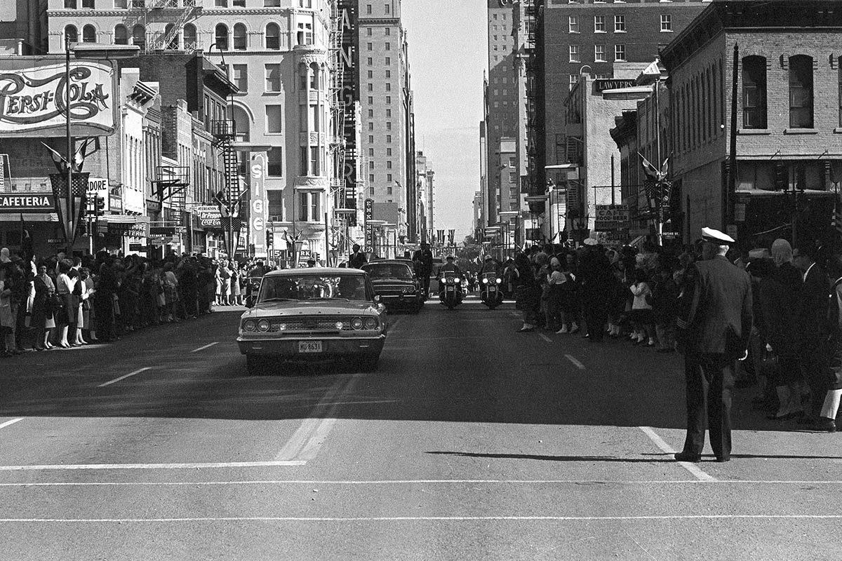 Assassinat de JFK : la théorie de la conspiration pose problème.
