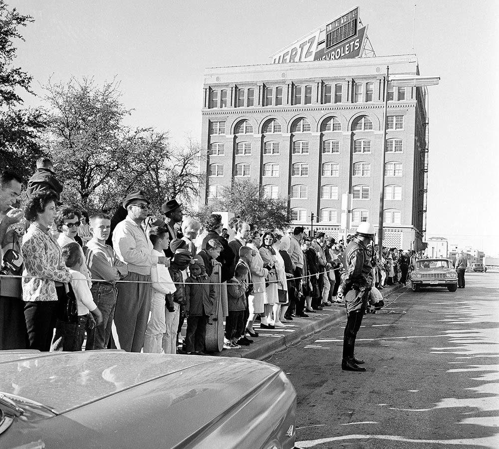 Assassinat de JFK : la théorie d'un deuxième tireur est probable.