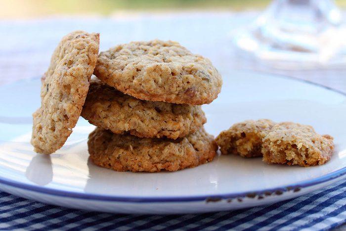 Faites vous plaisir avec des biscuits légers aux noix et au gingembre.