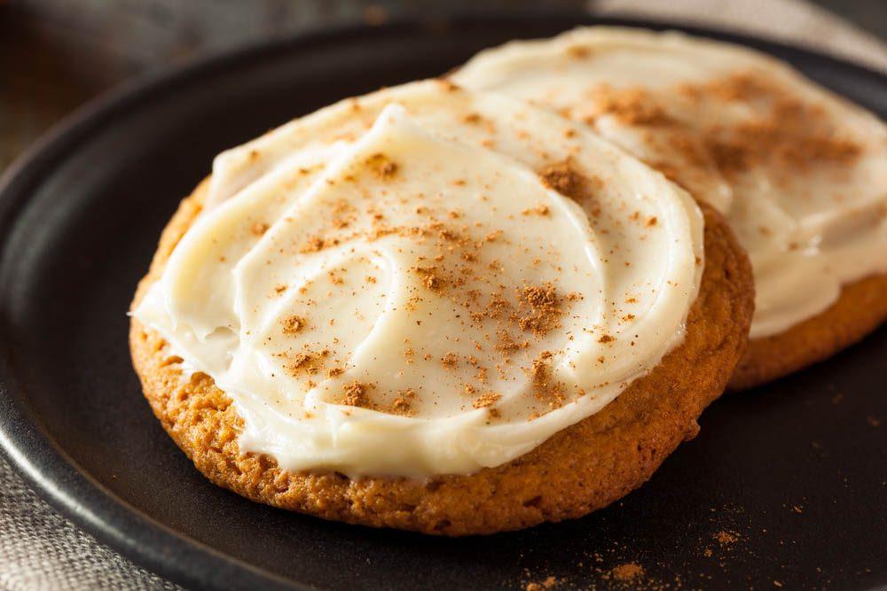 Dégustez des biscuits santé à la citrouille.