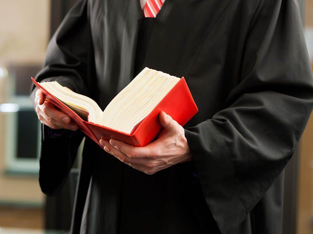 La clinique juridique a pour but de pallier à un système judiciaire mal en point.