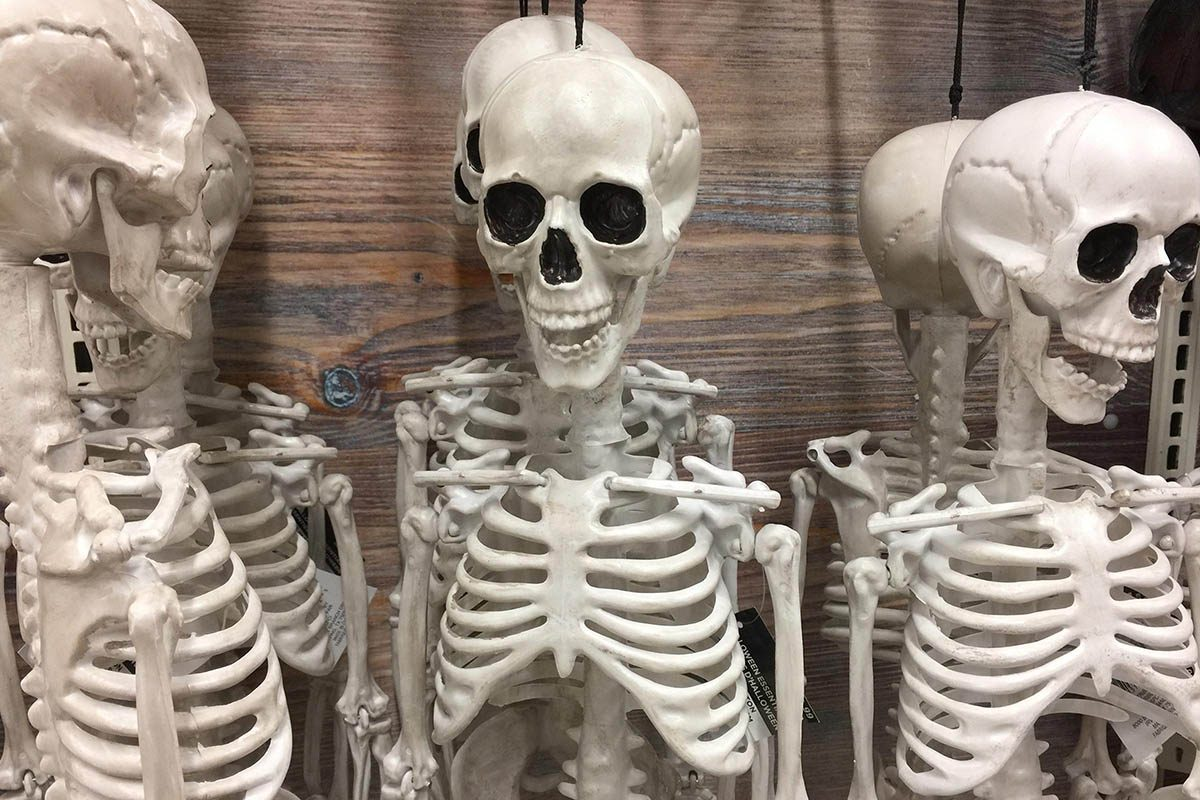 Le magasinage du costume d'Halloween commence tôt.