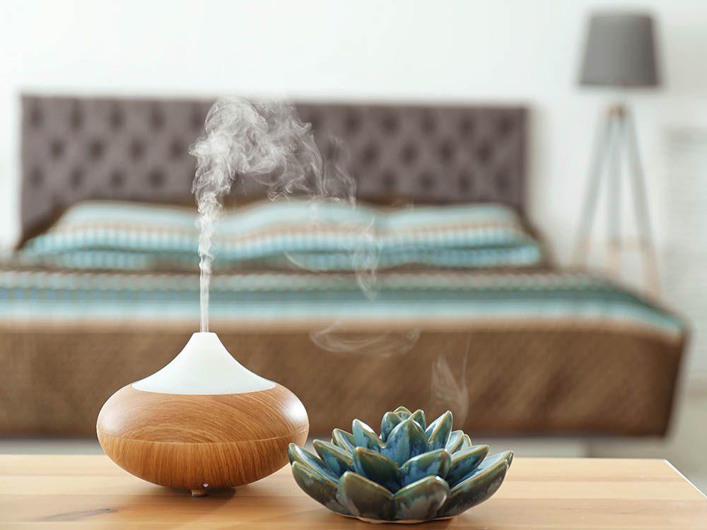 Conseil de dermatologue: humidifiez la chambre pour une belle peau au réveil.