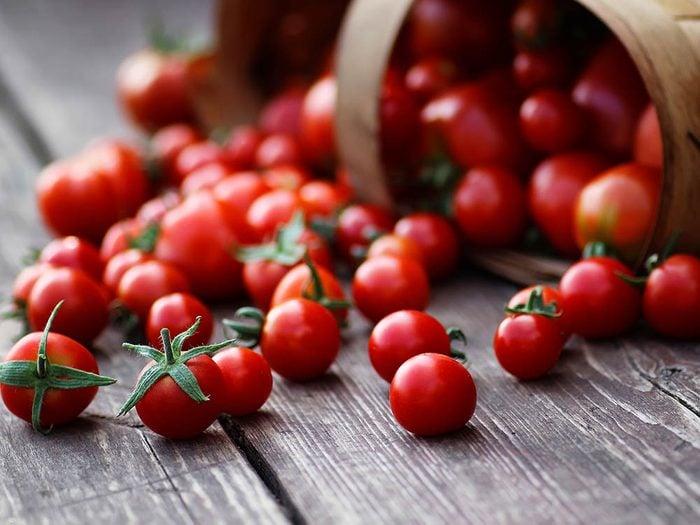 Conseil de dermatologue : mangez des tomates pour avoir une belle peau!