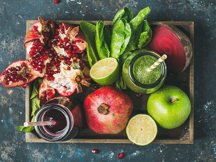 Manger des fruits et légumes permet de détoxifier son corps naturellement.