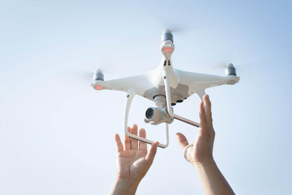 Emploi du futur vraiment cool: piloter un drone.