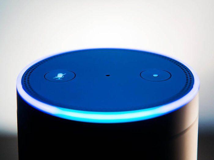 Emploi du futur : devenez programmeur Alexa.