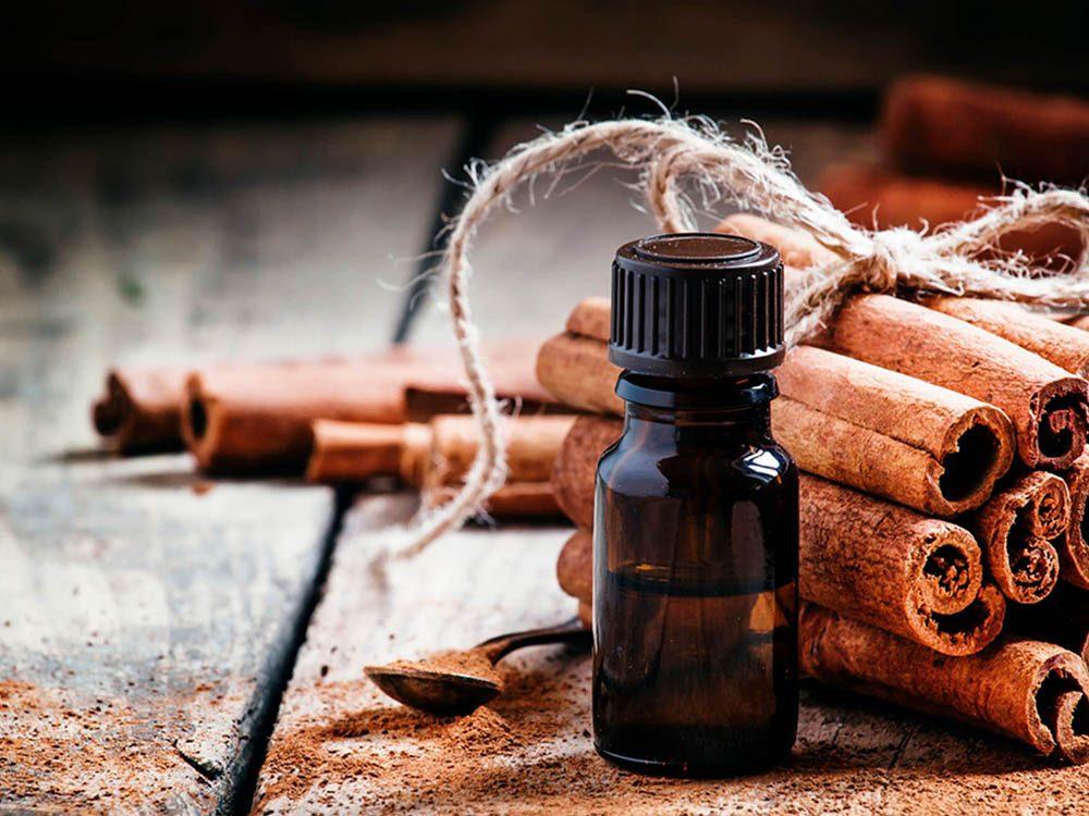 Huiles essentielles : la cannelle est efficace pour soulager le rhume et la grippe.