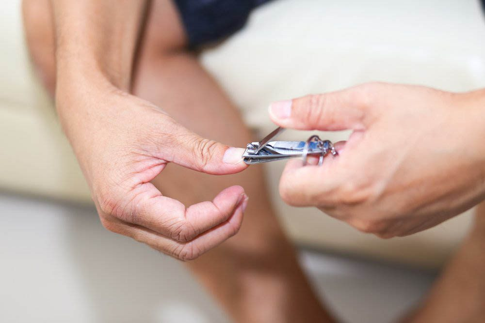 Montrez de la gratitude pour des objets du quotidien comme les coupes-ongles.