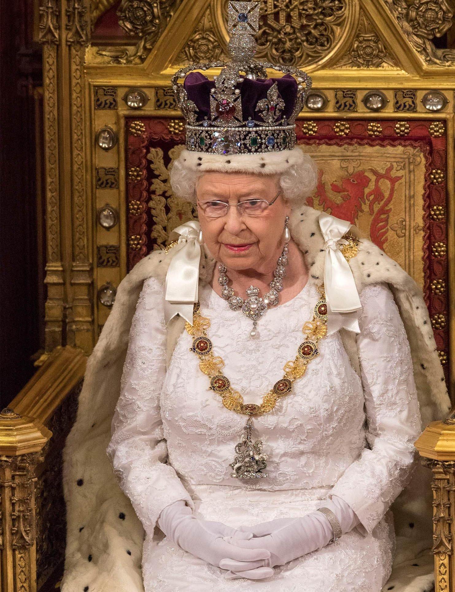 La reine Élisabeth II ne connait pas le boulot de 9 à 5.