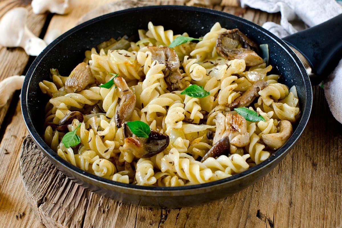 Lundi sans viande : préparez des pâtes aux champignons.
