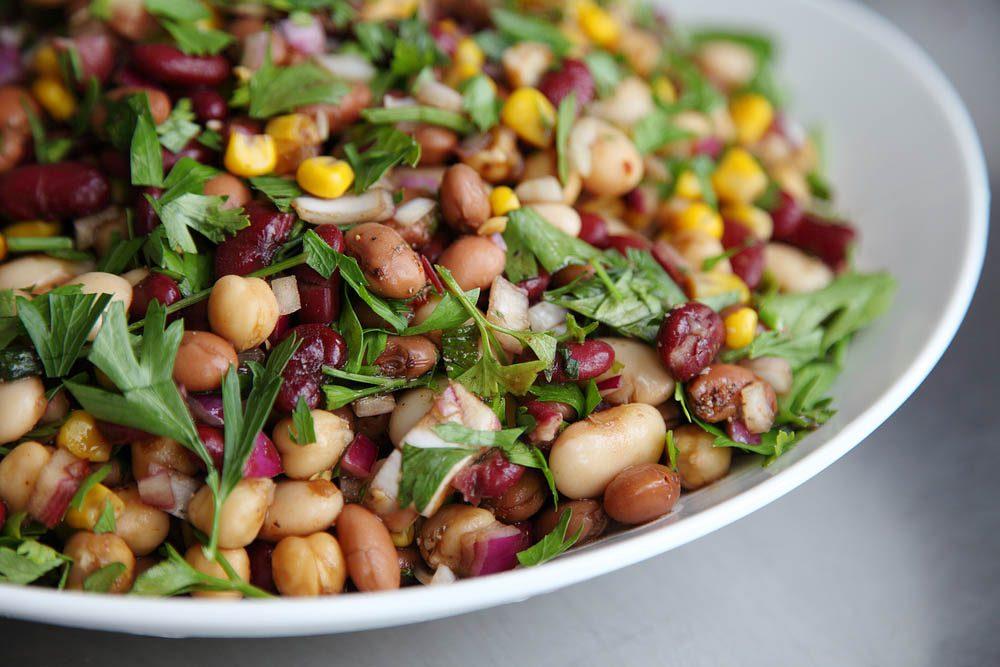Lundi sans viande : dégustez une salade de haricots au yogourt.