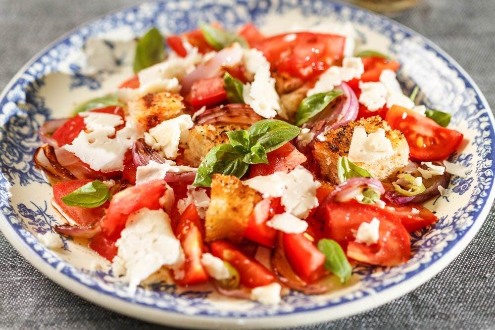 Lundi sans viande : essayez cette recette de salade de tomates.