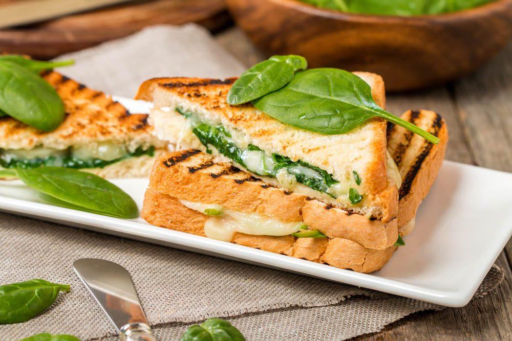 Lundi sans viande : préparez un sandwich végétarien pour votre lunch.