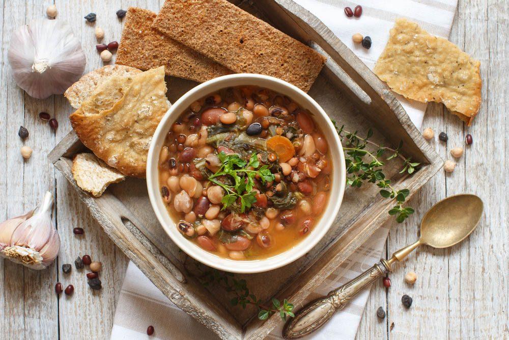 Lundi sans viande : préparez un sauté de haricots blancs et légumes.