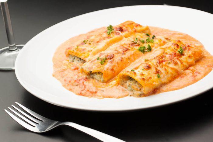 Meilleures recettes de pâtes : cannelloni au veau, sauce rosée au camembert.