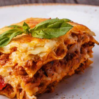Lasagne traditionnelle sauce à la viande, tomates et béchamel