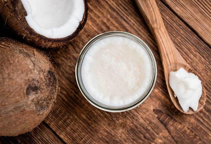 pour stimuler votre métabolisme, favorisez l'huile de coco.