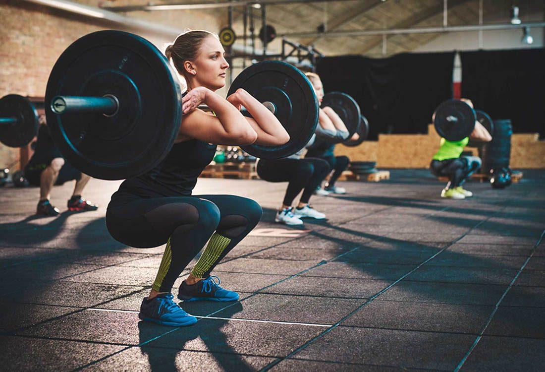 Renforcez votre métabolisme en levant des poids.