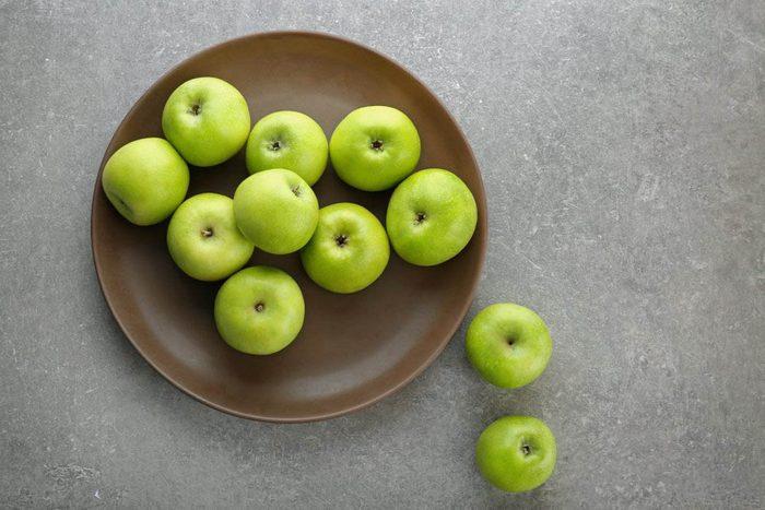 Métabolisme : consommez des pommes pour vous sentir rassasié.