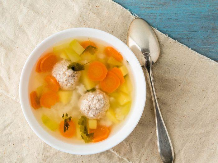 Stimulez votre métabolisme en prenant de petits repas.