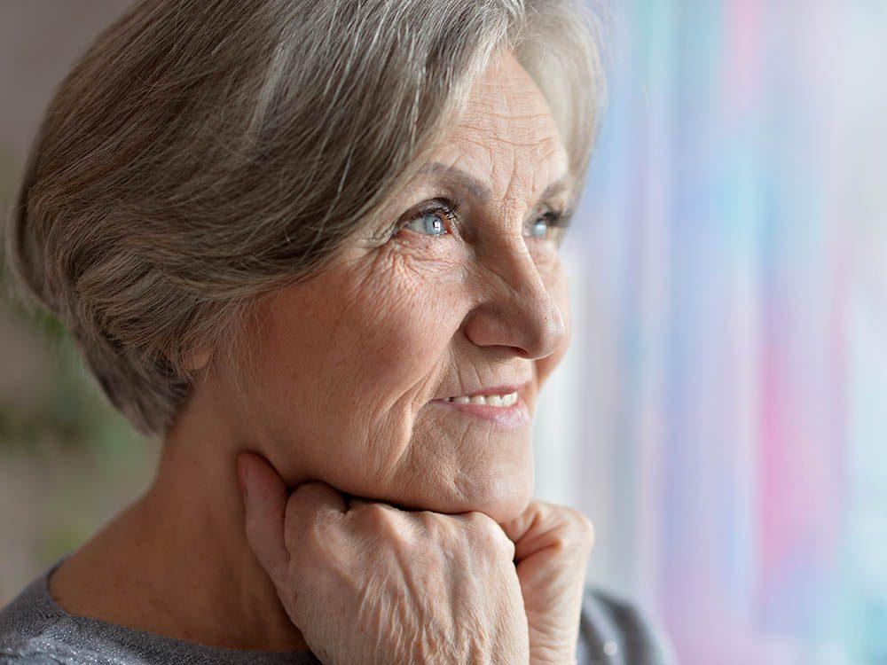 Mythe sur la santé : existe-t-il un lien entre les rides et la fragilité osseuse?