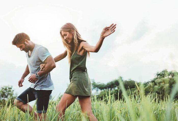 Pour perdre du poids, faites une activité physique avec un ami.