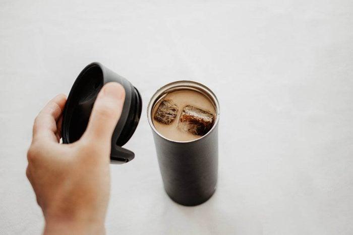 Pour perdre du poids, buvez du café régulier.