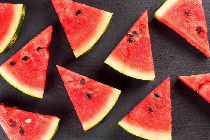 Pour perdre du poids, mangez des fruits.