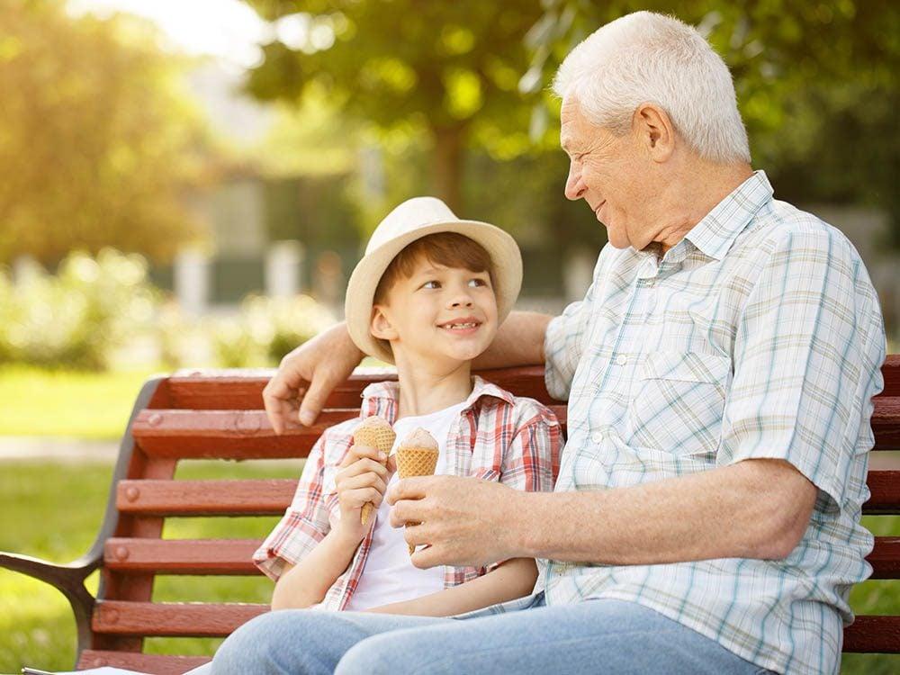 Vos petits-enfants doivent comprendre que leur routine reprend lorsqu'ils retournent chez leurs parents.
