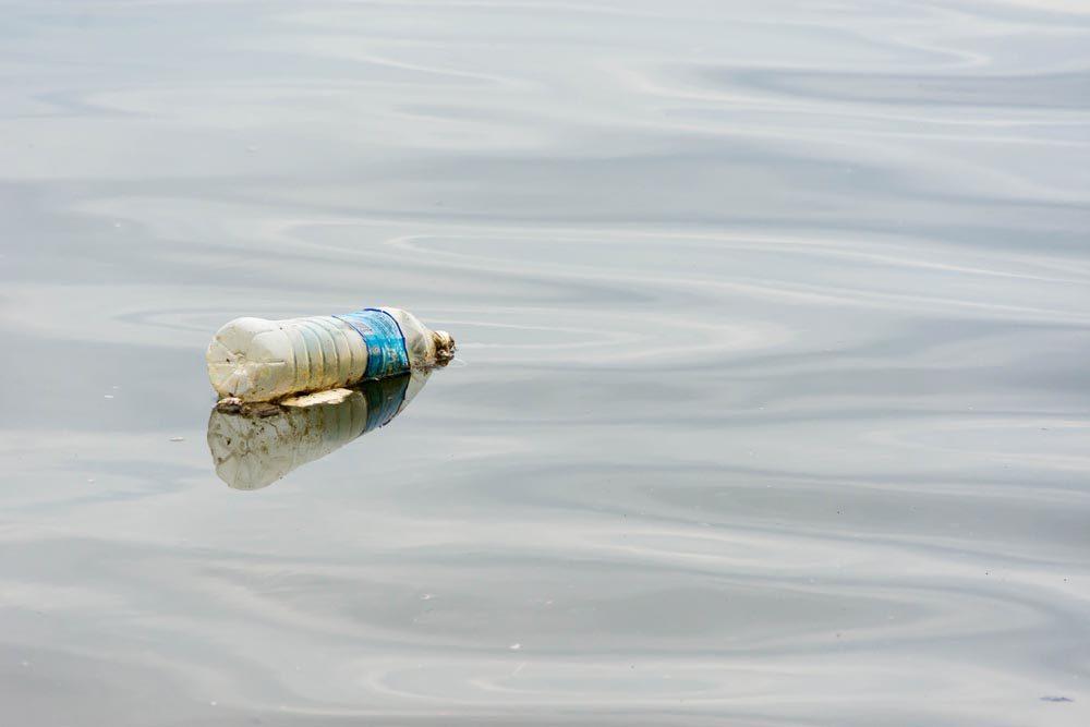 Le plastique est présent dans les lacs d'eau potable.