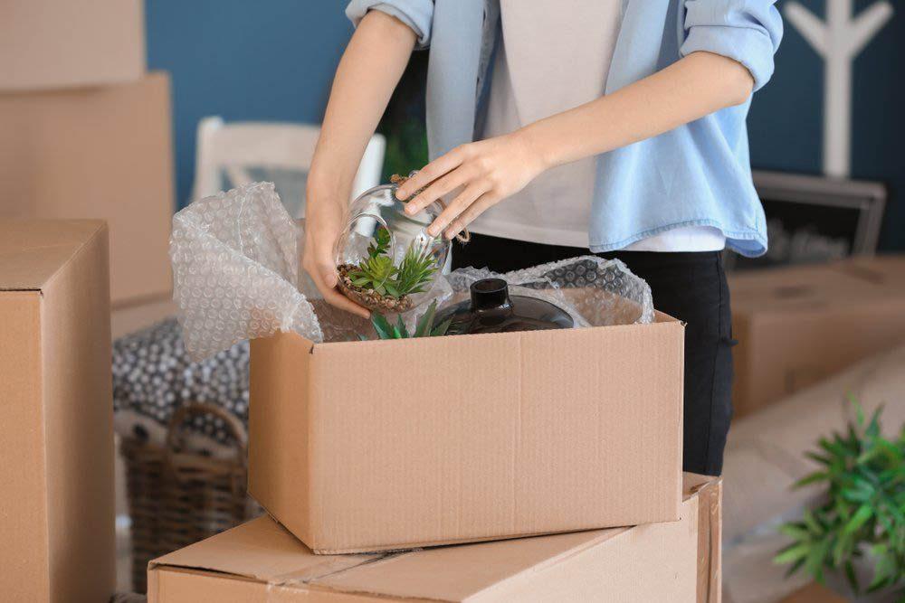 Après l'achat de votre première maison, cherchez une compagnie de déménagement.