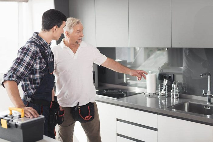 Avant d'acheter une première maison, faites une inspection.