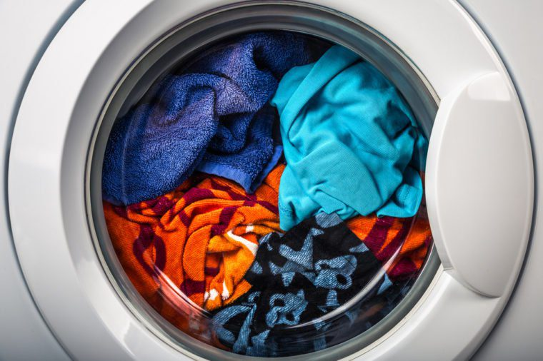 Produit fait maison: Salle de lavage : assouplissant à tissu.