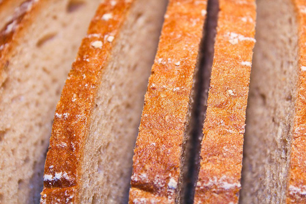 Ne conservez pas au réfrigérateur votre pain tranché.