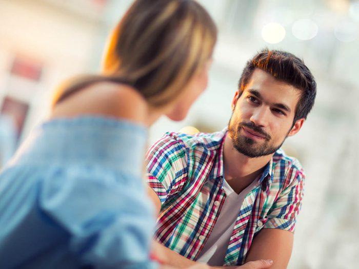 Une rupture amoureuse peut être liée à un manque de conversation.