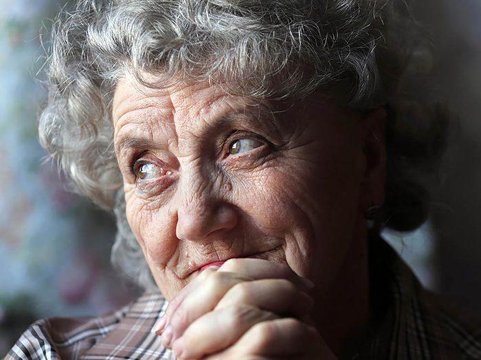 Une rupture amoureuse est justifiée lorsque le partenaire vit encore chez sa mère.