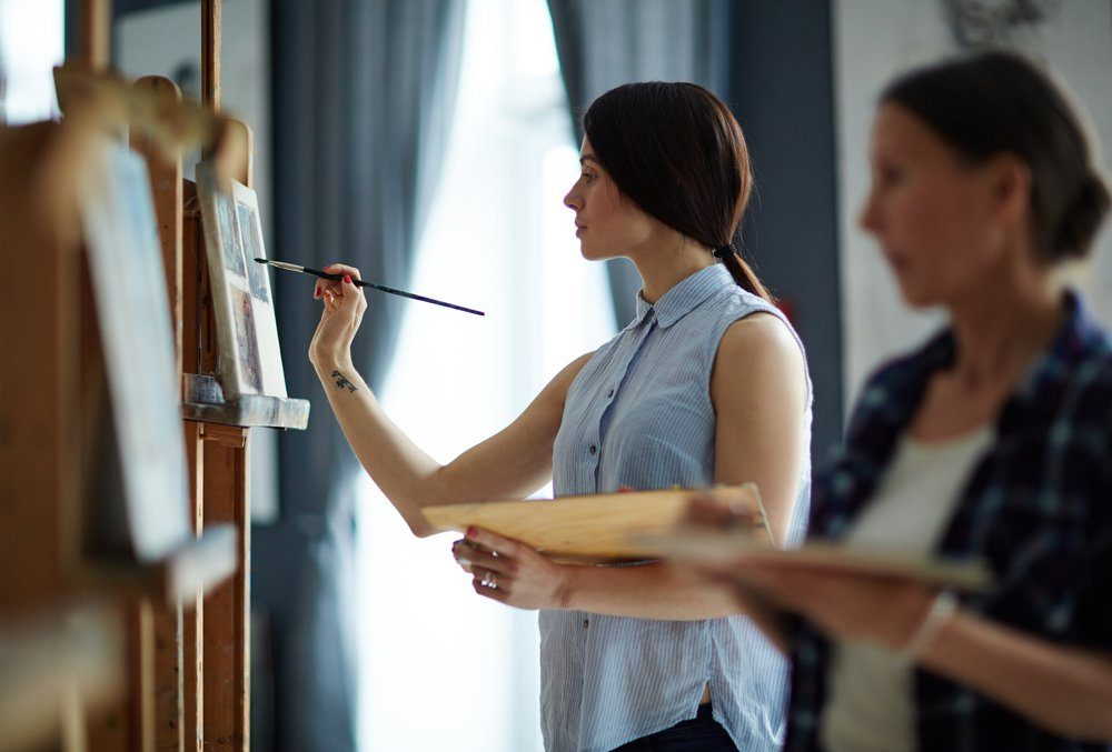 Prendre un cours de peinture.