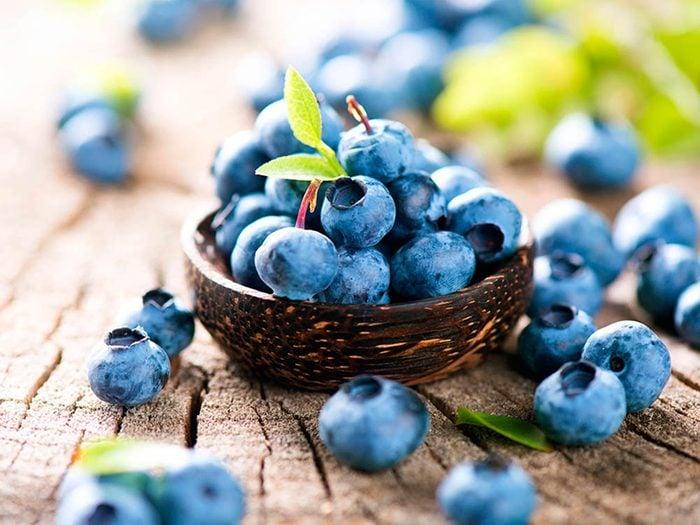 Superaliment: les bleuets contiennent de nombreux bienfaits santé.