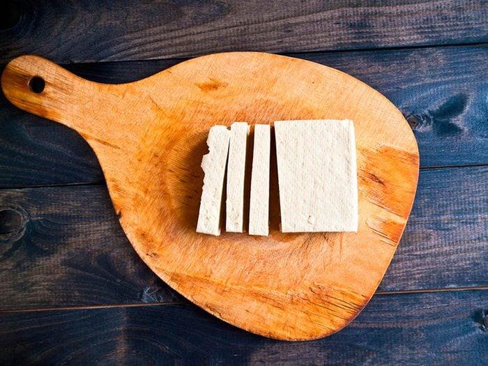 Superaliment: le tofu bénéfique pour la santé.