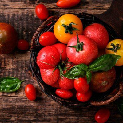 Superaliment: la tomate source de vitamine A.