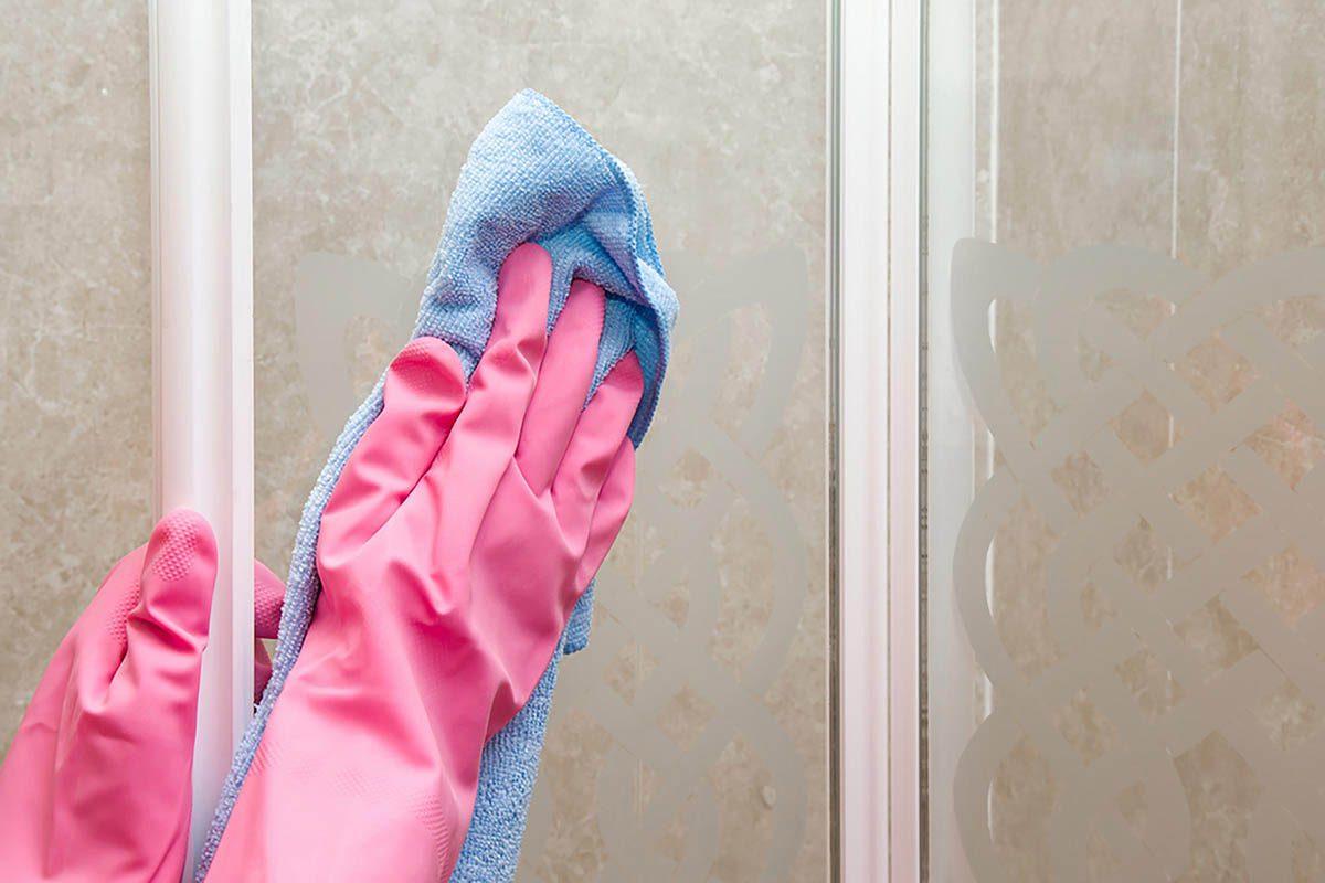 Tâches à faire : nettoyer votre douche.