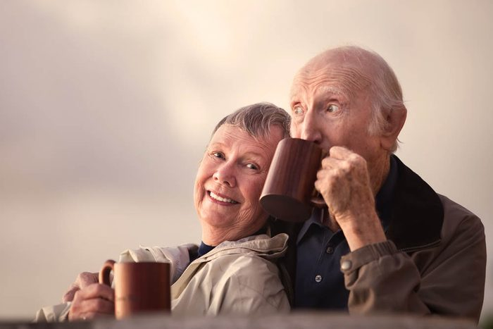 Un vieux couple à parcouru du chemin à deux.