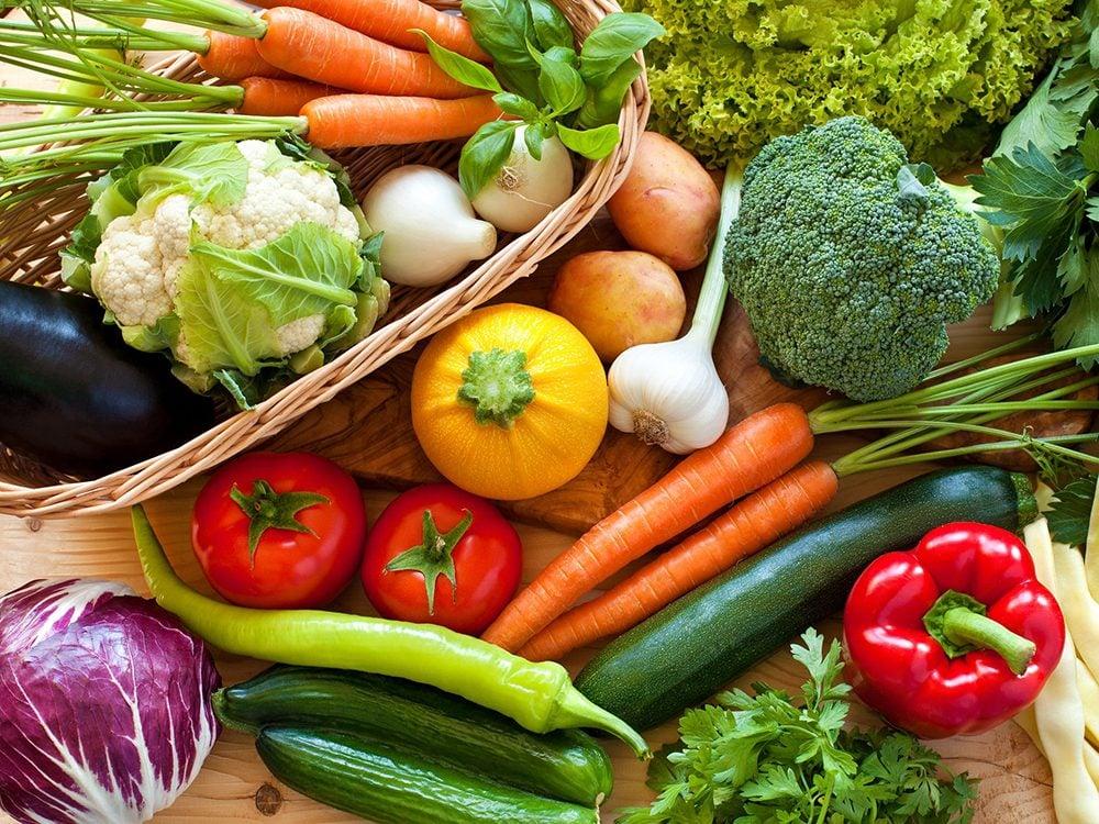 Certains aliments sont plus sains lorsqu'ils sont consommés crus.