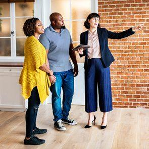 Acheter une maison en dessous de la valeur du marché peut être une stratégie du vendeur.