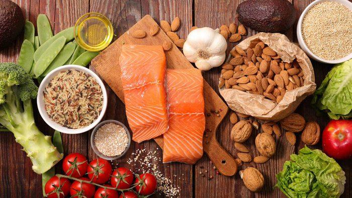 Suivez les règles d'une alimentation anti-inflammatoire.