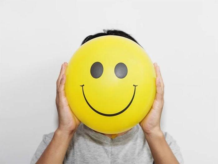 S'entourer d'images positives pour augmenter la confiance en soi.