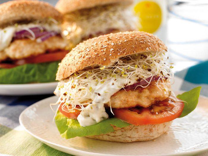 Boîtes à lunch : préparez un sandwich au saumon.