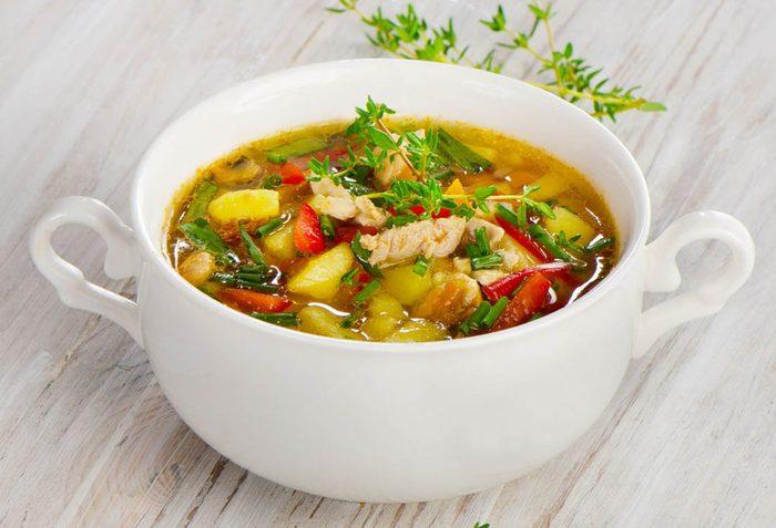 Boîtes à lunch : préparez une soupe au poulet à l'italienne.