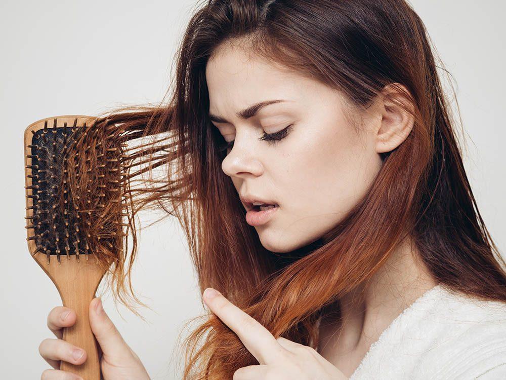 Vos cheveux ont besoin d'une brosse adaptée.